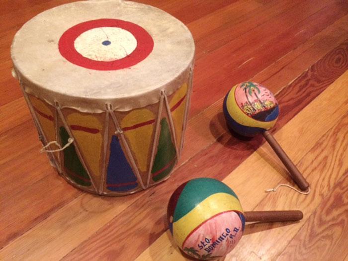Cardboard drum and maracas