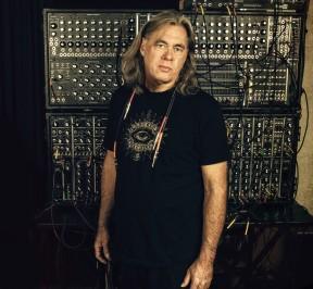 Steve-Roach-2015-L